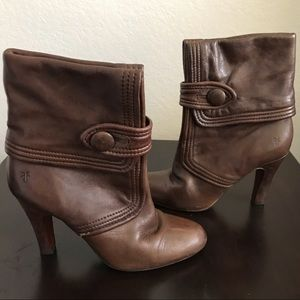 Frye Ava Fold Over Button Ankle Heeled Boots 7.5